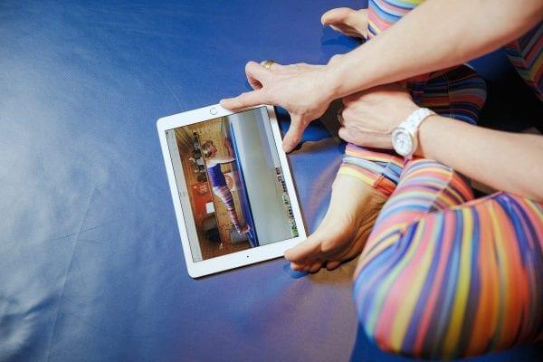 Should you do Pilates Online or go to a Pilates Class? - Studio 44 Pilates