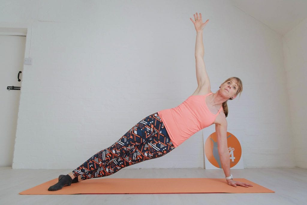 10 minute pilates online side bend